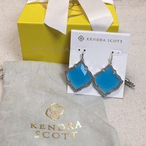 Kendra Scott Kristen Earrings w gift box